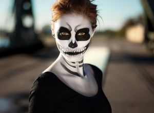 female-halloween-skull-face-makeup