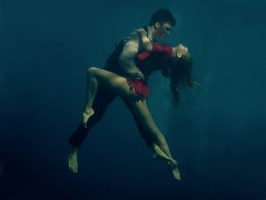 underwater-dance-05